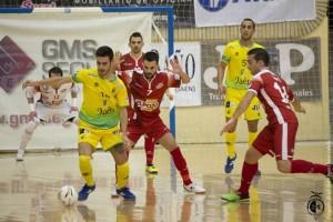 Eloy Rojas en una jugada ante ElPozo Murcia